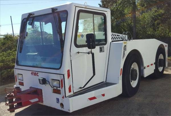 aircraft_tow_tractor_fmc_b400_2006a